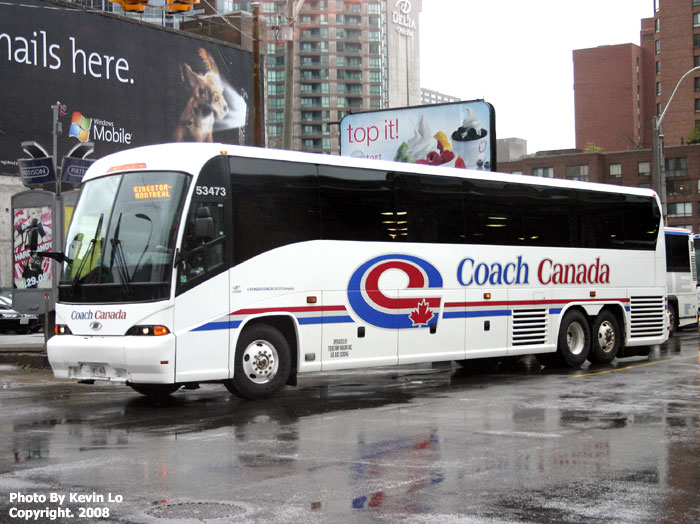 how to travel by bus in canada